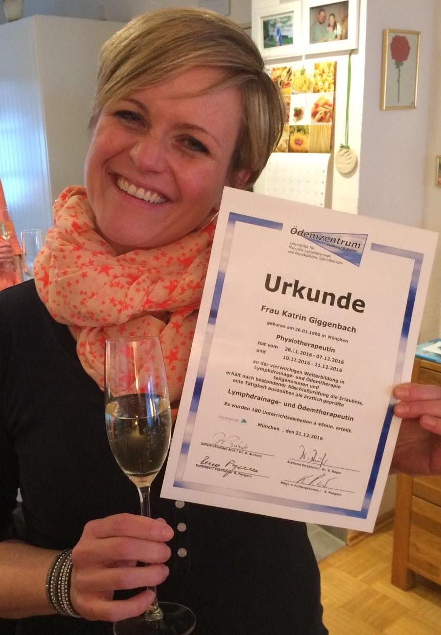 Katrin jetzt Fachkraft für Manuelle Lymphdrainage